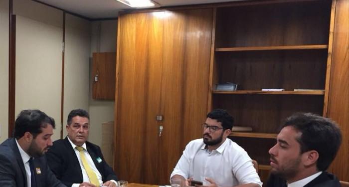 Prefeito Arthur Freitas vai a Brasília pleitear mais investimentos para o município
