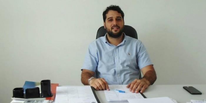 Prefeito Arthur Freitas realiza pagamento do 13º salário dos servidores ativos e inativos