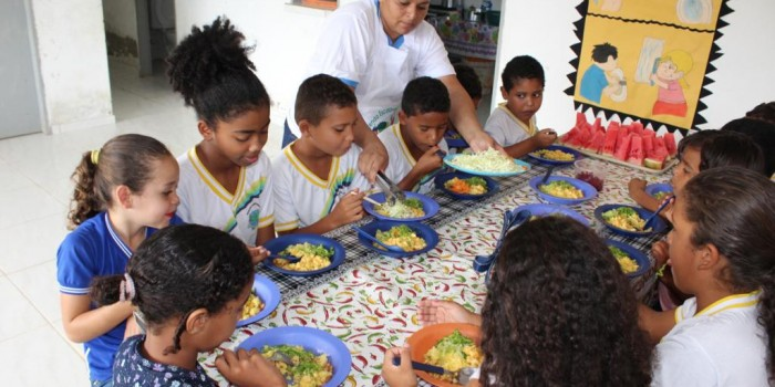 Santana do Mundaú se destaca como exemplo de boas práticas de compras para merenda escolar