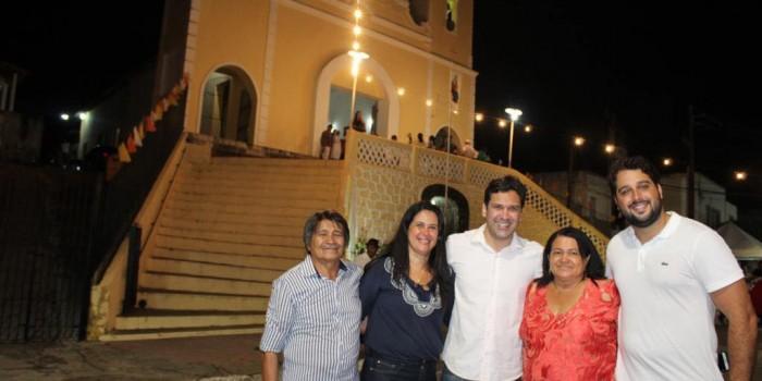 Procissão e shows marcam  encerramento da Festa de Senhora SantAna