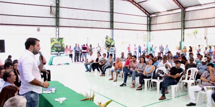 Agricultores participam de projeto para o controle da mosca negra dos citros