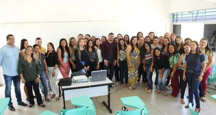 Professores participam de formação do programa Escola da Terra