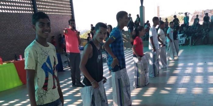 Estudantes da Escola Pequeno Príncipe participam de Gincana