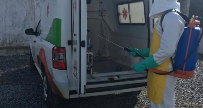 Saúde de Santana do Mundaú realiza desinfecção na frota de veículos do transporte sanitário