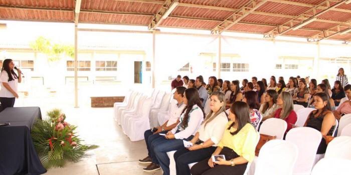 Educação promove formação para profissionais da rede municipal