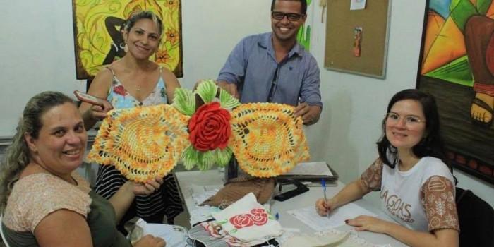 Parceria entre Prefeitura e SEDETUR possibilita emissão de carteiras para artesãos