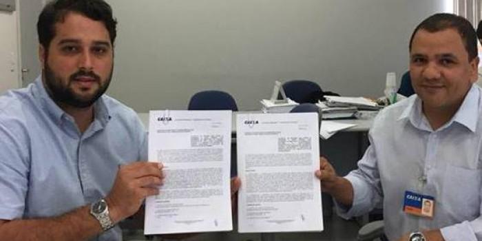 Prefeito Arthur Freitas assina convênios que garantem investimentos no setor turístico e agrícola