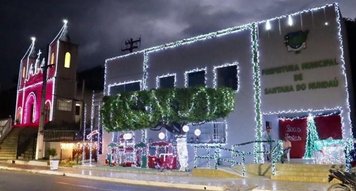 Vivendo a Magia do Natal: decoração natalina encanta moradores