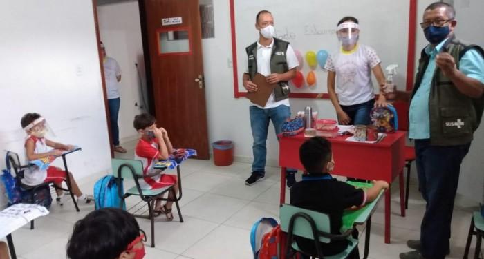 Vigilância Sanitária realiza inspeção para garantia da implementação das medidas de prevenção contra a COVID-19 nas escolas particulares