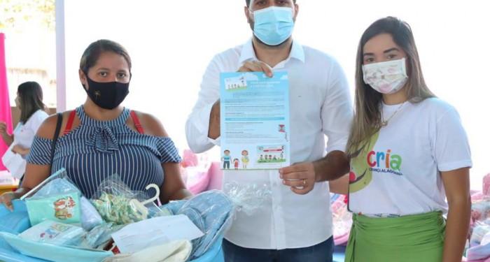 Assistência Social entrega cerca de 370 novos cartões do programa CRIA