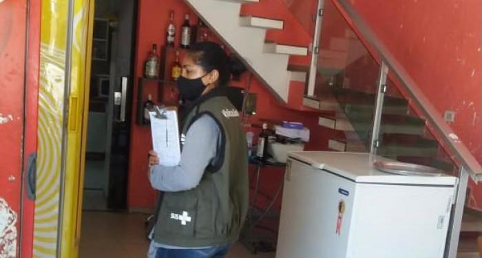 Vigilância Sanitária intensifica ações de orientação e prevenção à COVID-19 em bares e restaurantes